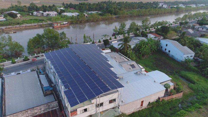Lắp đặt hệ thống năng lượng điện mặt trời dĩ an bình dương